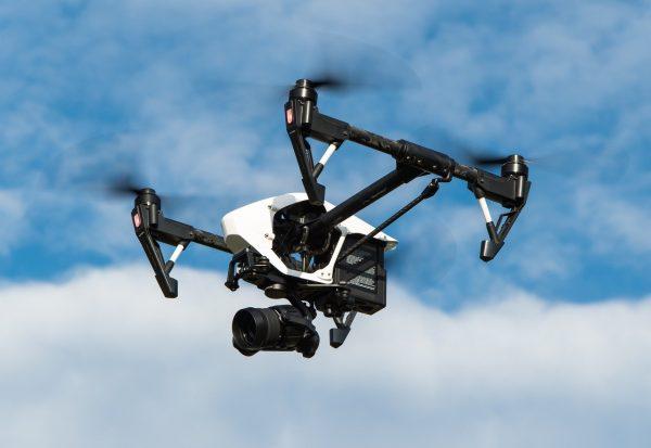 Agent de sécurité et drone